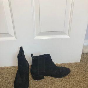 Black booties Steve Madden